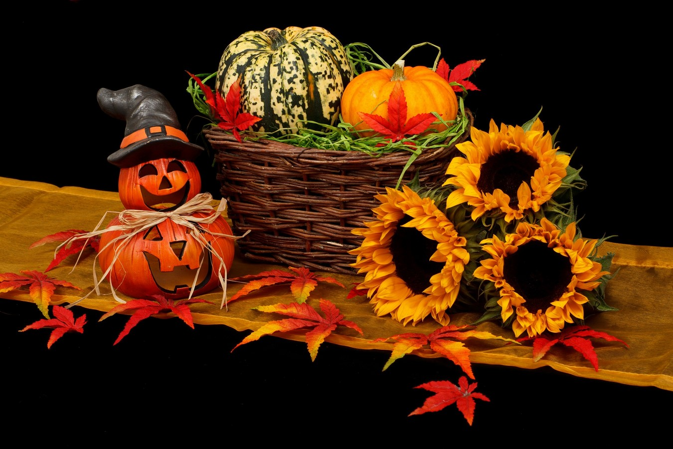 send halloween gift baskets in israel