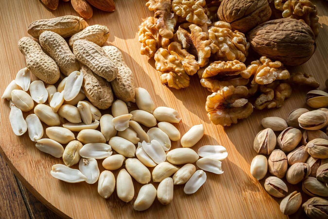 Send Gifts in Israel - Nuts and Dried Fruits Gifts