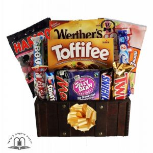 Treats Treasure Box – Gift Basket Israel